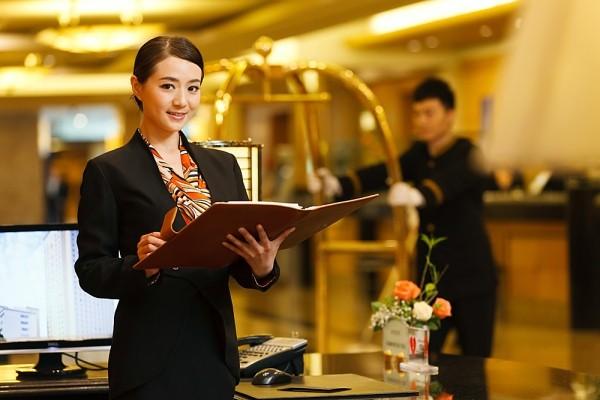 Làm thế nào để trở thành lễ tân khách sạn giỏi